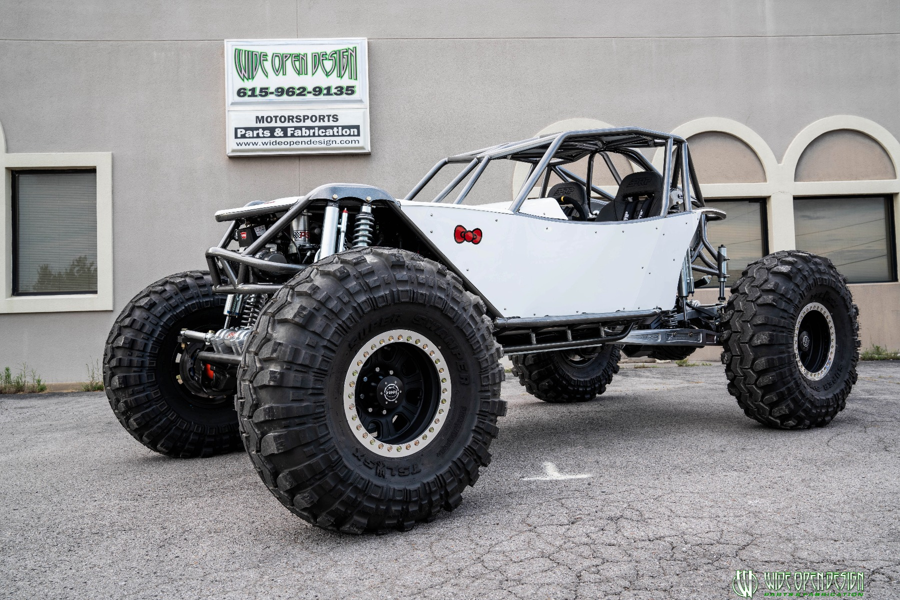 Hello Kitty Rock Crawler Front of Shop Image 1
