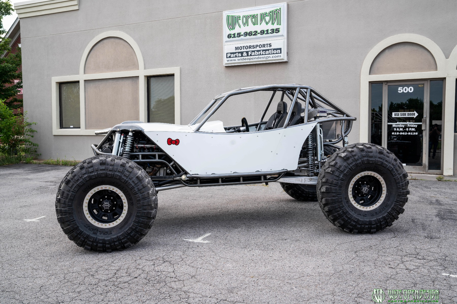 Hello Kitty Rock Crawler Front of Shop Image 2