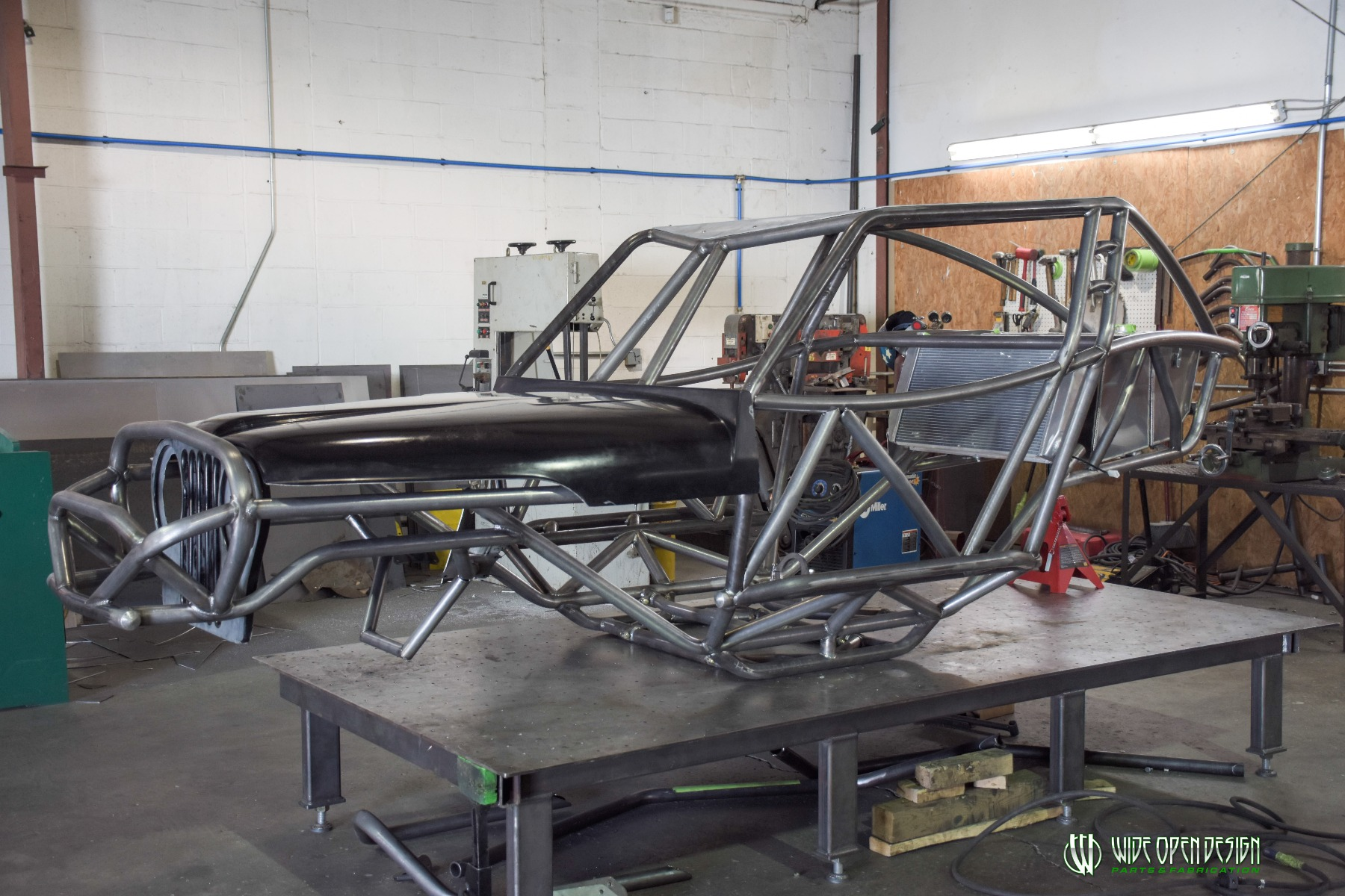 Wide Open Design Evolution Rock Crawler chassis with jeep hood and grill 1