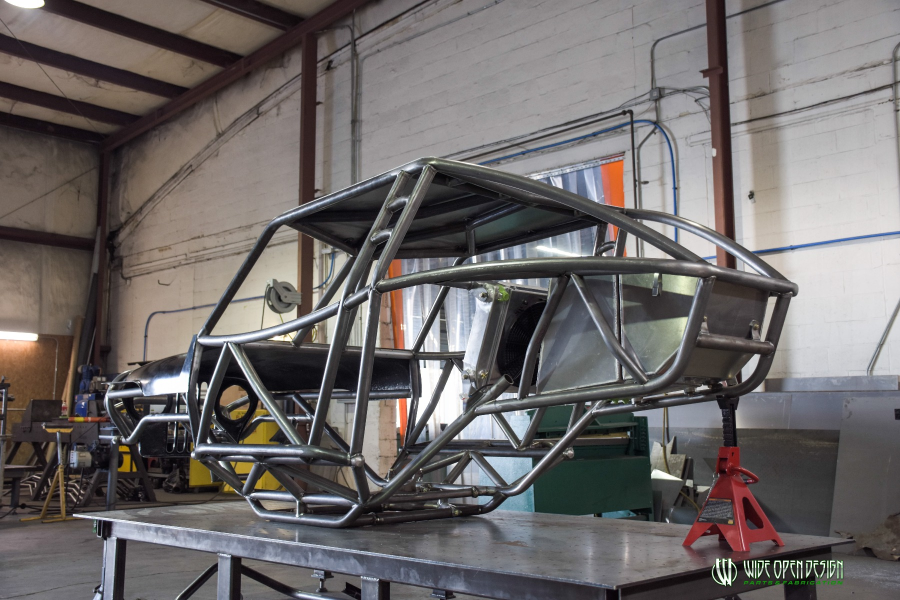 Wide Open Design Evolution Rock Crawler chassis with jeep hood and grill 2