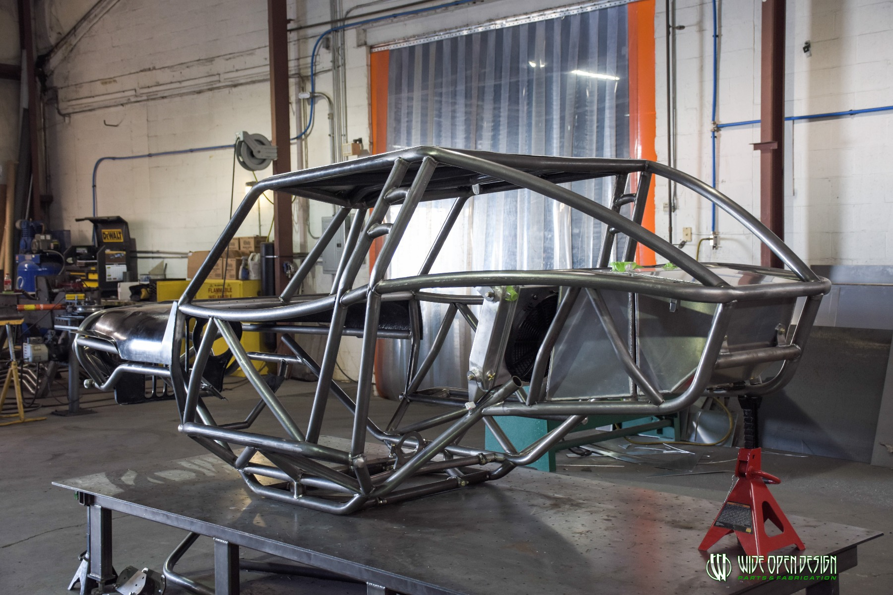 Wide Open Design Evolution Rock Crawler chassis with jeep hood and grill 3