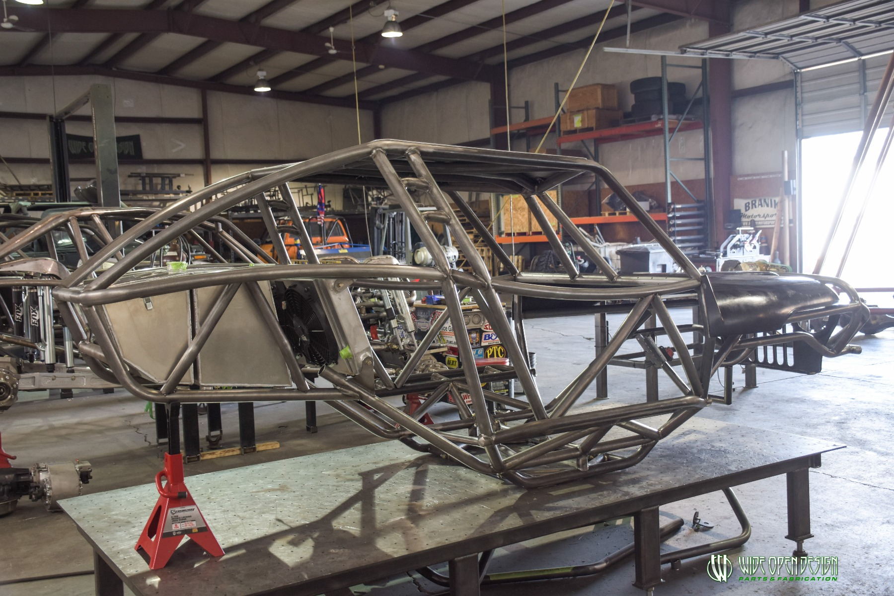 Wide Open Design Evolution Rock Crawler chassis with jeep hood and grill 4