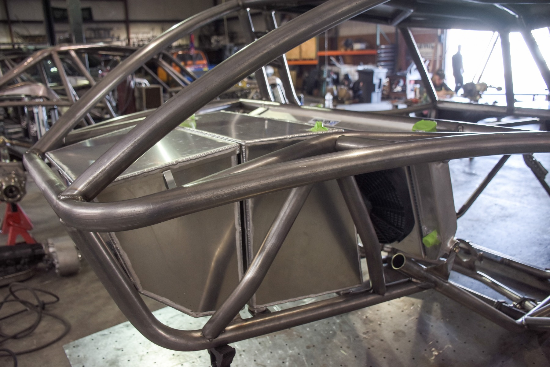 Wide Open Design Evolution Rock Crawler chassis with jeep hood and grill fuel cell 19