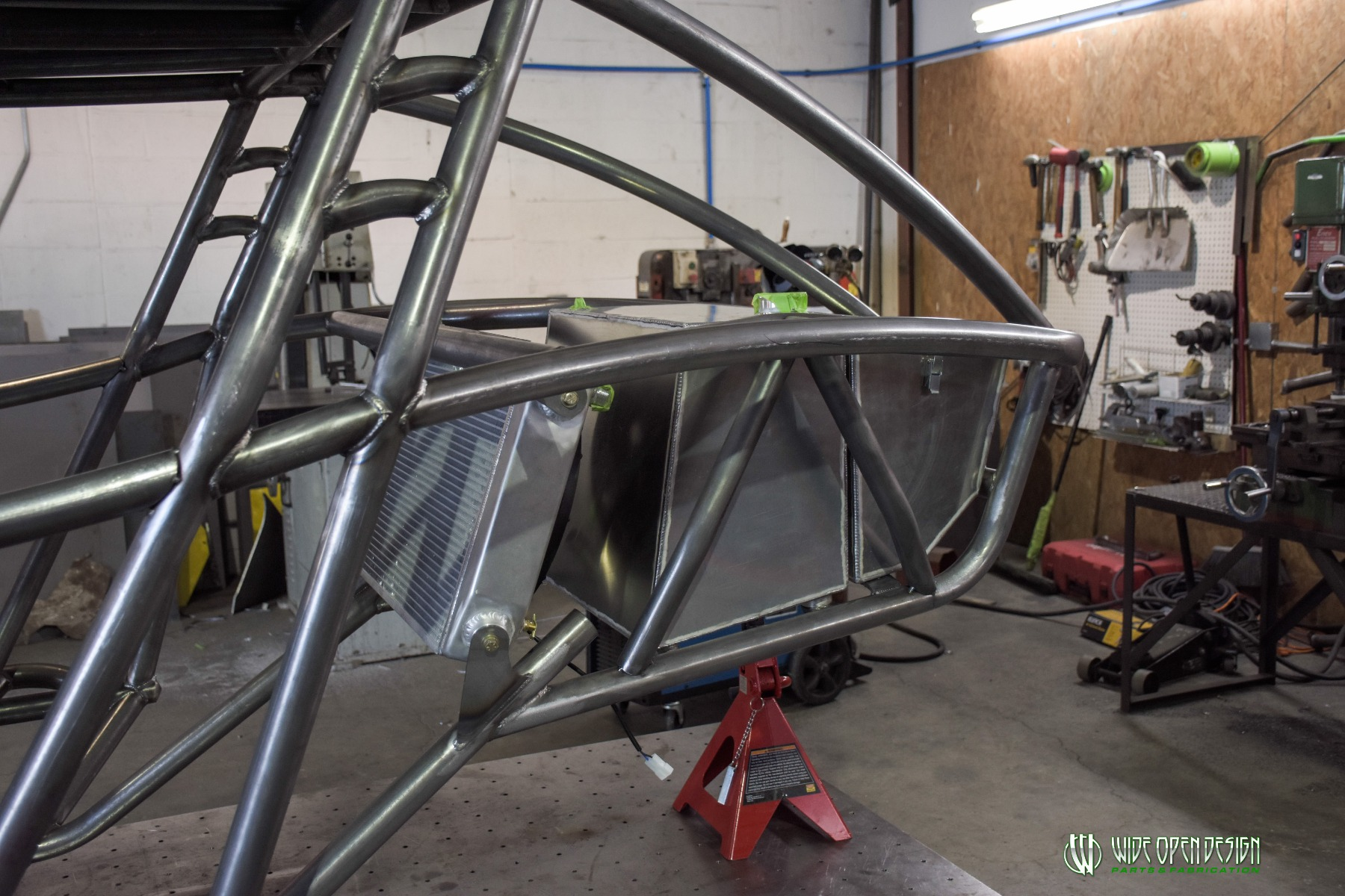 Jeep Rock Crawler Chassis with Jeep Hood Image 5