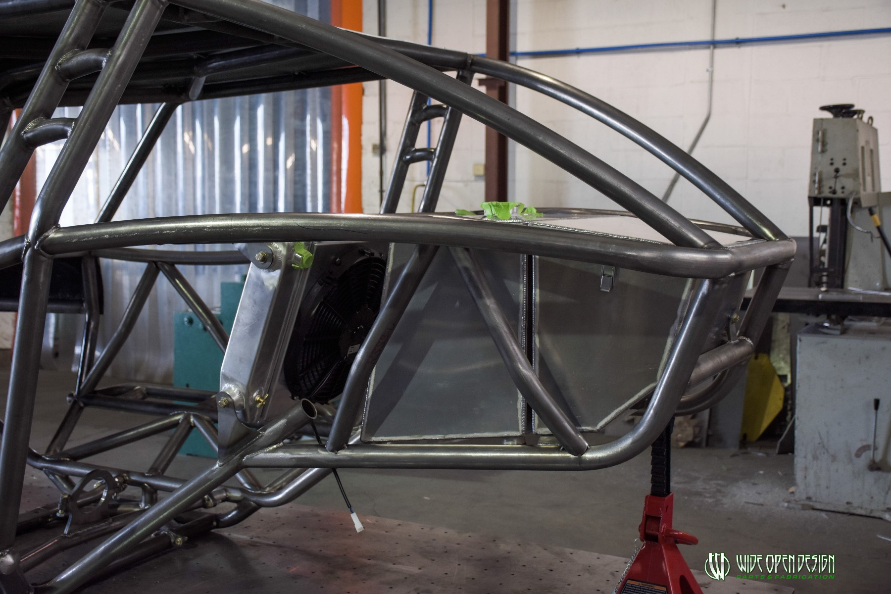 Jeep Rock Crawler Chassis with Jeep Hood Image 6