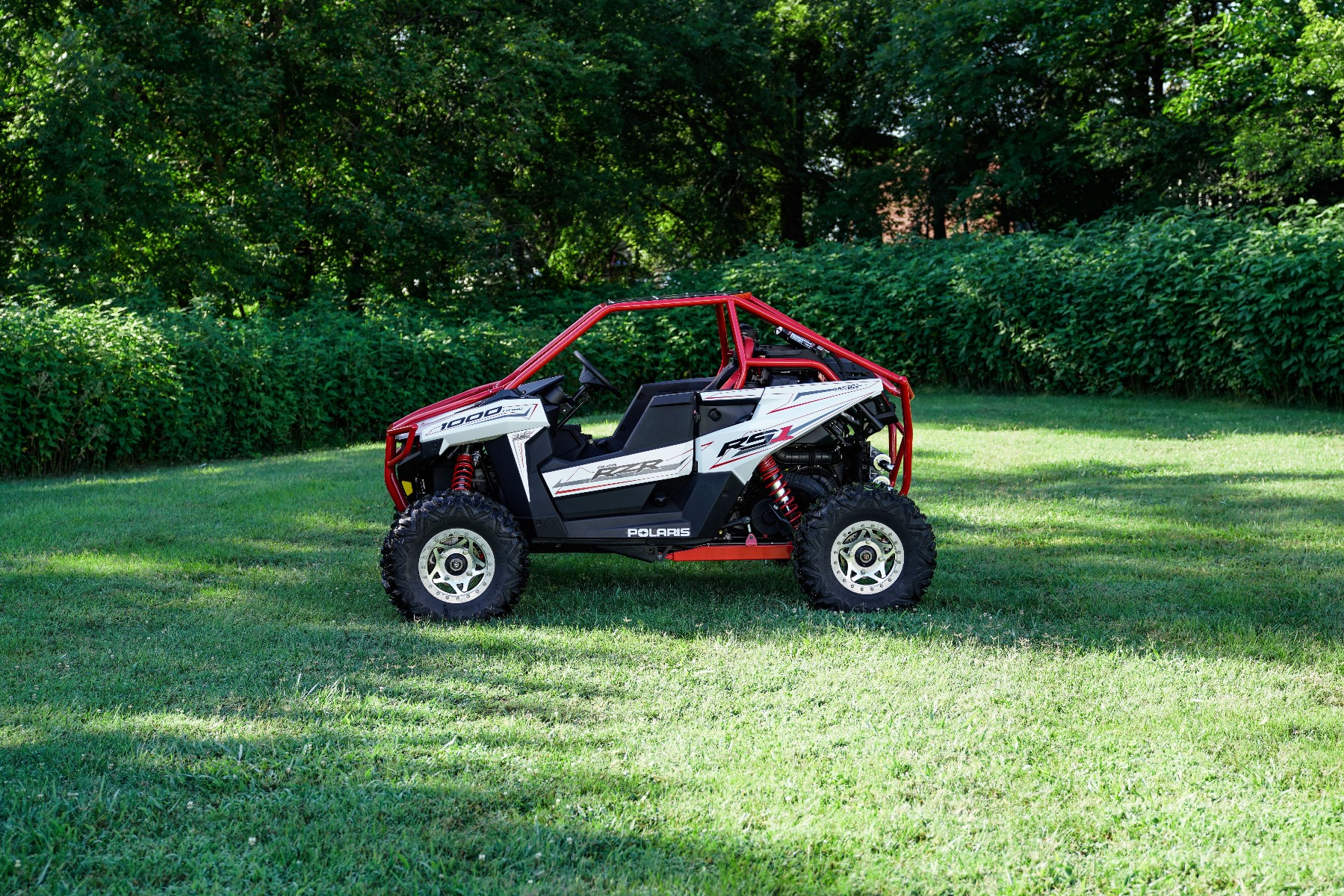 Polaris RZR RS1 Roll Cage in grass Image 1