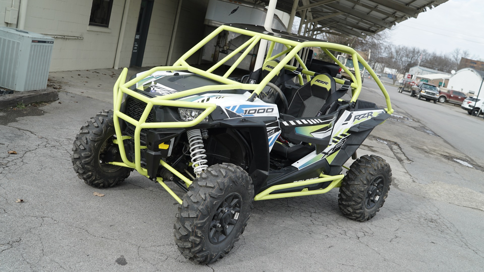 Polaris RZR 1000 with Yellow Roll Cage Image 9